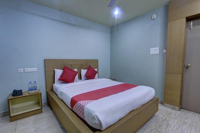 OYO 40120 Hotel Devi
