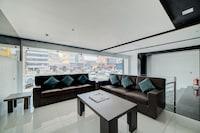 OYO 40124 Hotel Vjr Residency