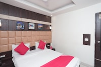 OYO 40145 Hotel Solitaire