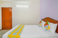 OYO 40163 Elegant Stay Gangaram Hospital