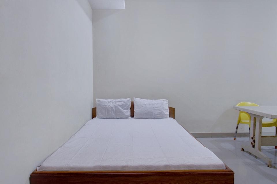 SPOT ON 40180 Supriya Lodge