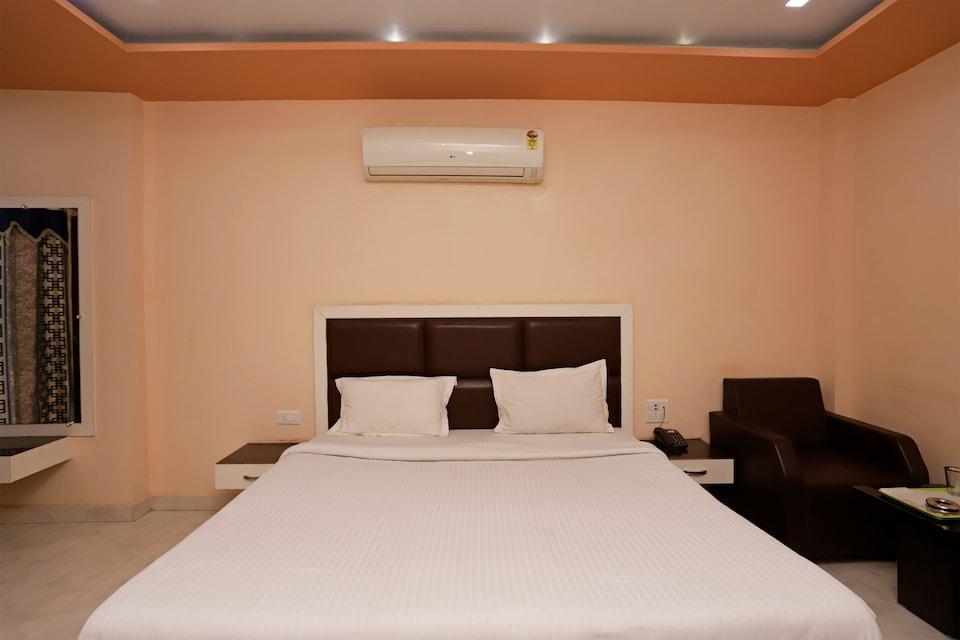 SPOT ON 40192 Hotel Bhuwan Heights