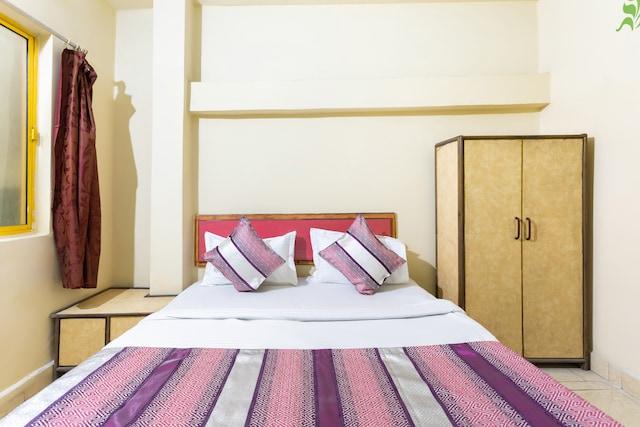 SPOT ON 40211 Hotel Prakash Inn