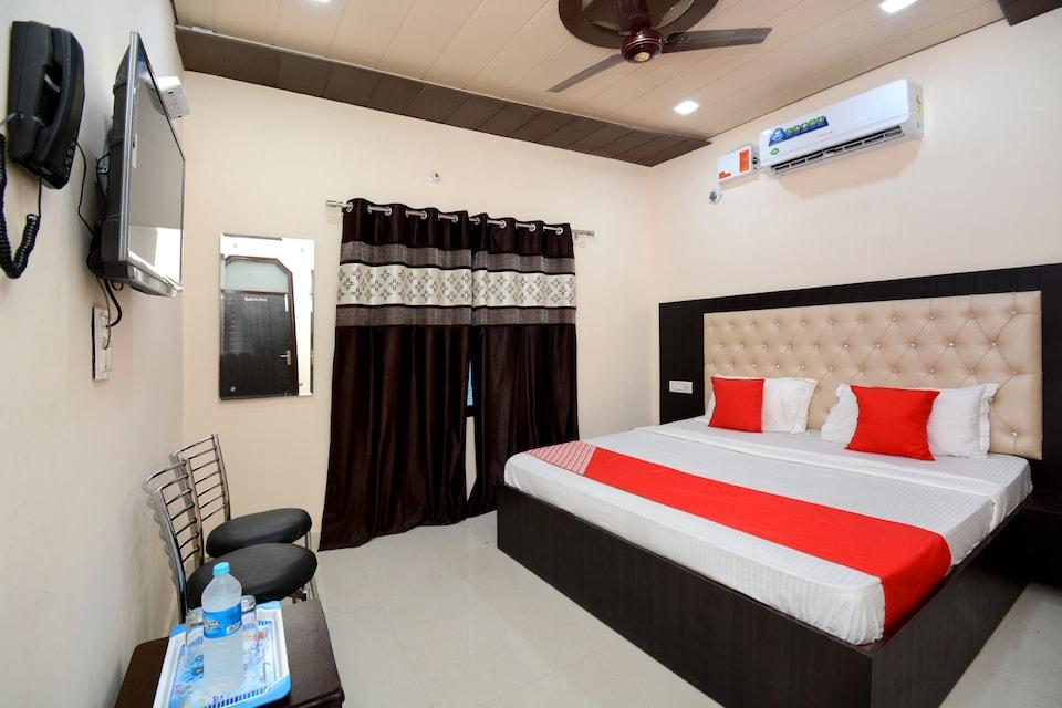 OYO 40235 Aashiaana Guest House