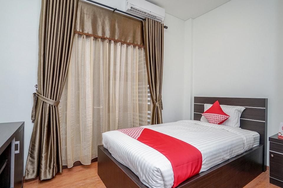 OYO 932 Griya Mas Residence Syariah
