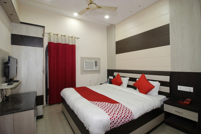 OYO 40320 Hotel Soni International