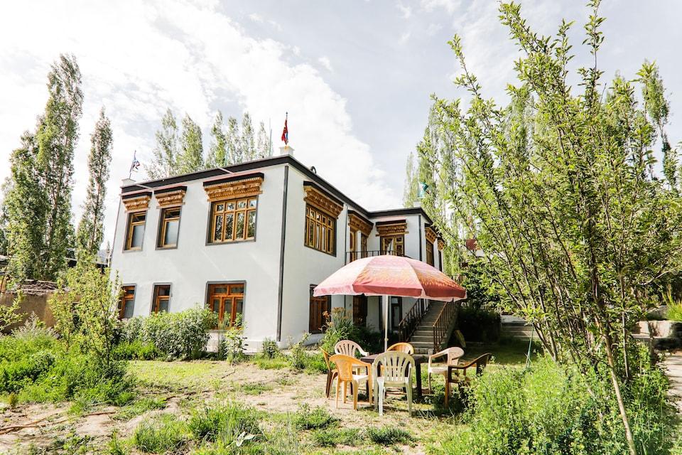 OYO 40323 Jor Tsangbu Guest House