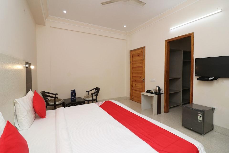 OYO 40414 Precious Residency