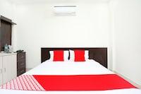 OYO 40417 Hotel Grand Taj