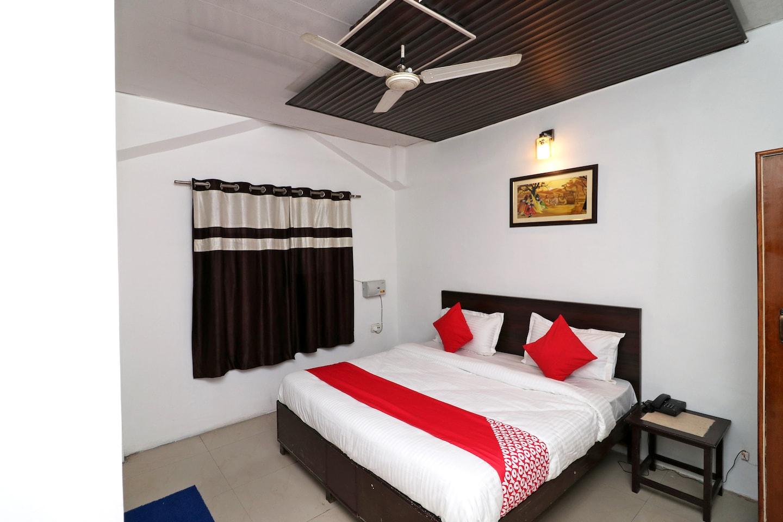 OYO 40425 Hotel Dazzle Inn -1