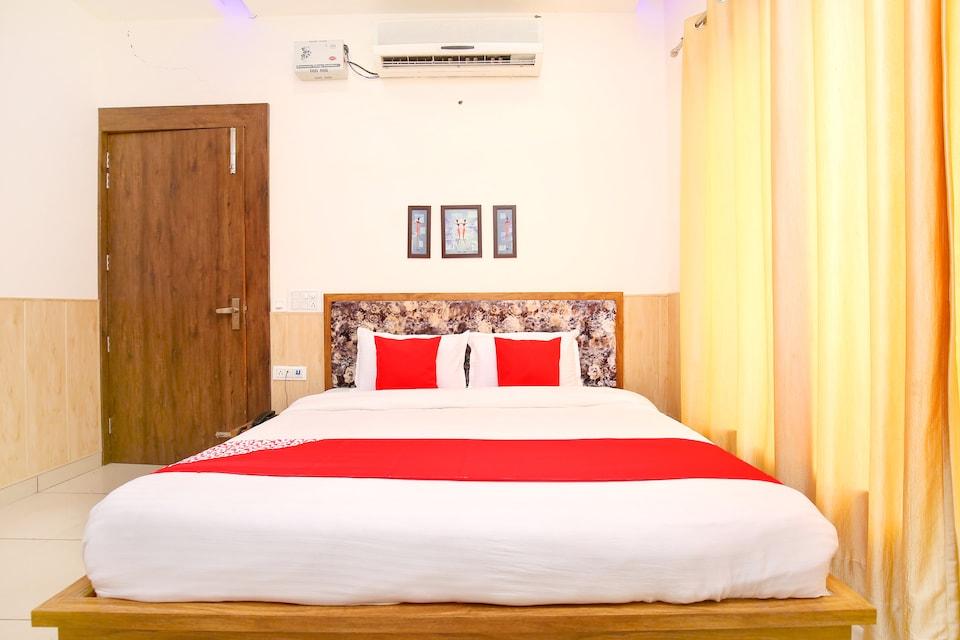 OYO 40447 The Swagatam Hotel