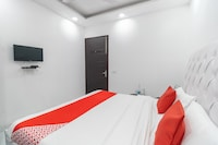 OYO 40460 Paradise Studio