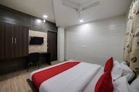 OYO 40461 Hotel Avirat