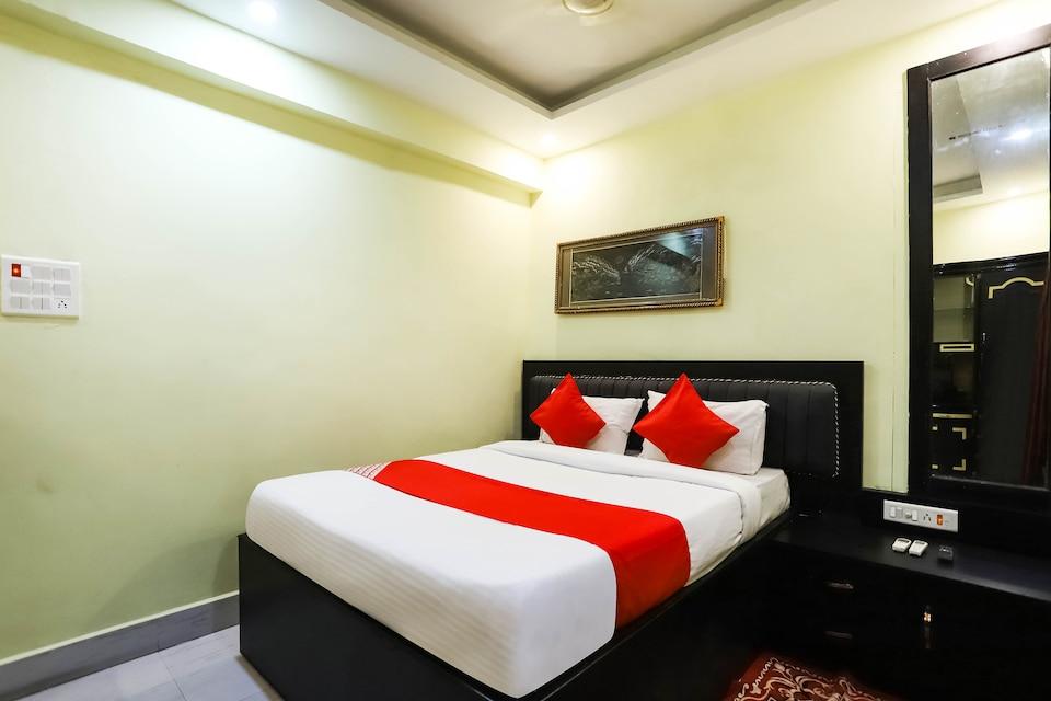 OYO 40476 Hotel Devi Darbar
