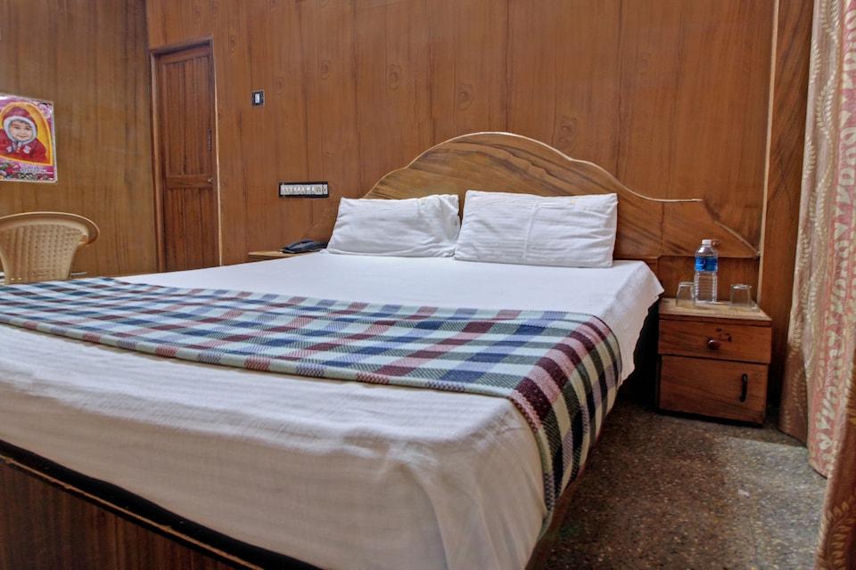 SPOT ON 40505 Hotel Indhra