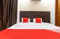 OYO 40649 Hotel Kapoor Residency Saver