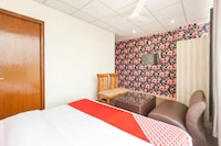 OYO 40649 Hotel Kapoor Residency