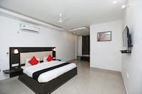 Capital O 40694 Dolsee Hotel