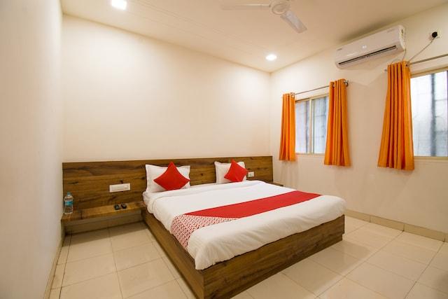 OYO 40712 Punjab National Hotel