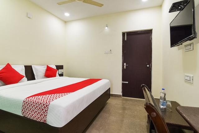 OYO 40717 Sai Priya Residency