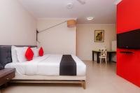 Capital O 40728 Bollywood Design Hotel Deluxe