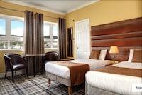 OYO The Esplanade Hotel