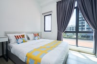 OYO Home 1135 Magnificent 1BR Kenwingston