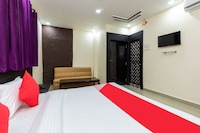 OYO 40756 Hotel Palash House