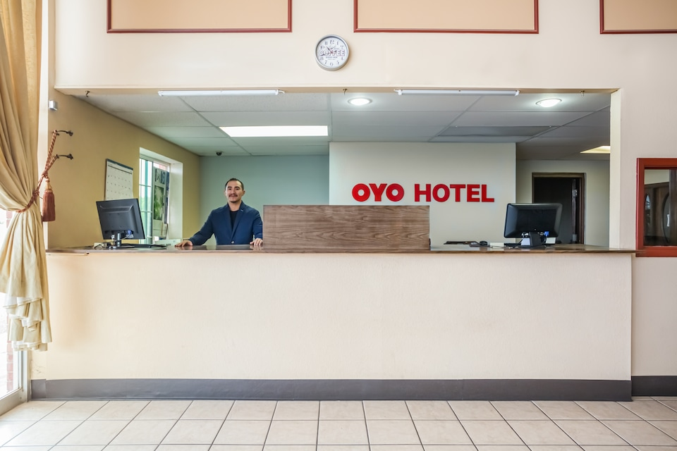 OYO Hotel Deming DMN Airport