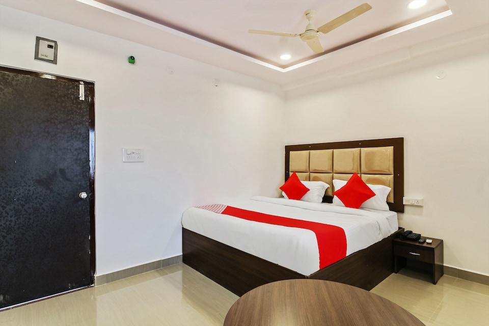 OYO 40807 Hotel Meena International