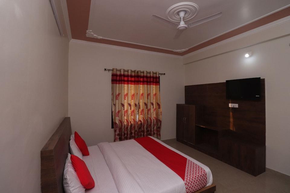 OYO 40842 The Royal Resort, Katra, Katra