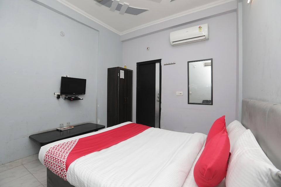 OYO 40851 Hotel Athithi