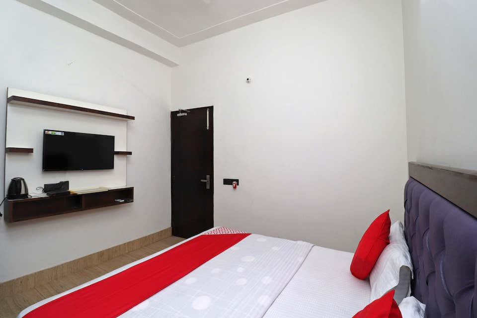OYO 40864 Dream Residency