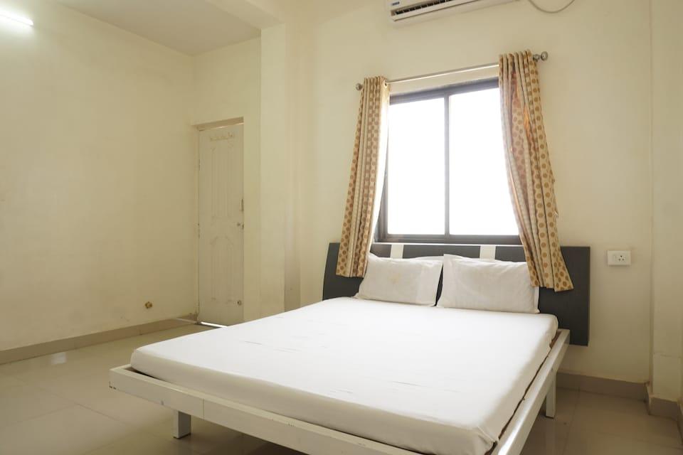 SPOT ON 40886 Hotel Raj Palace