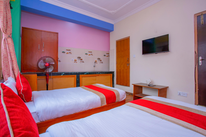 OYO 414 Hotel Om