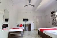 OYO 40903 Hotel Trisha Residency Deluxe