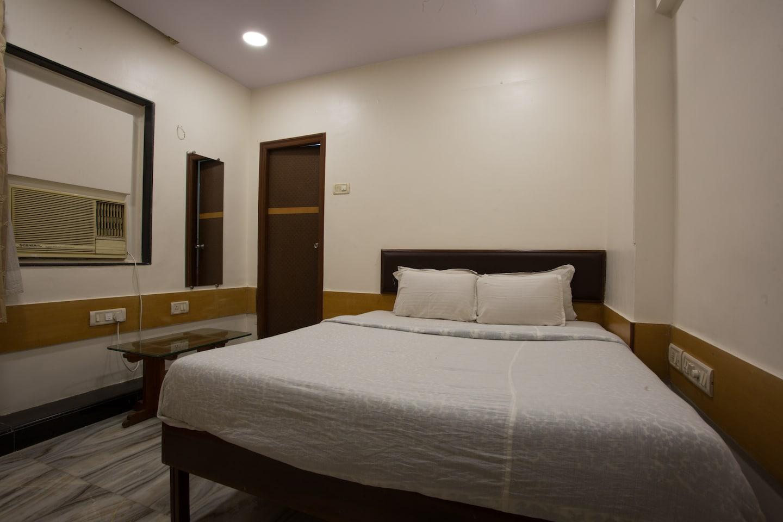 OYO 40927 Aeka Hotel -1