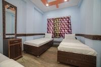 SPOT ON 40932 Hotel Adarsh Palace SPOT