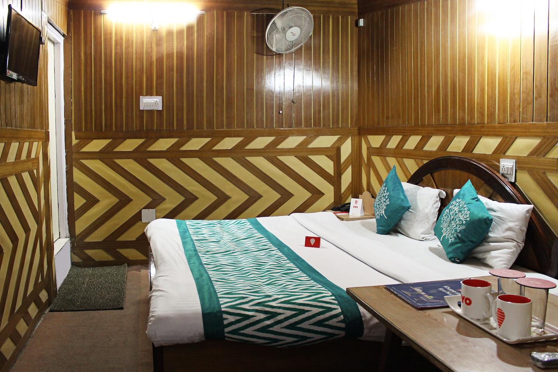OYO 3828 Hotel Ashok -1