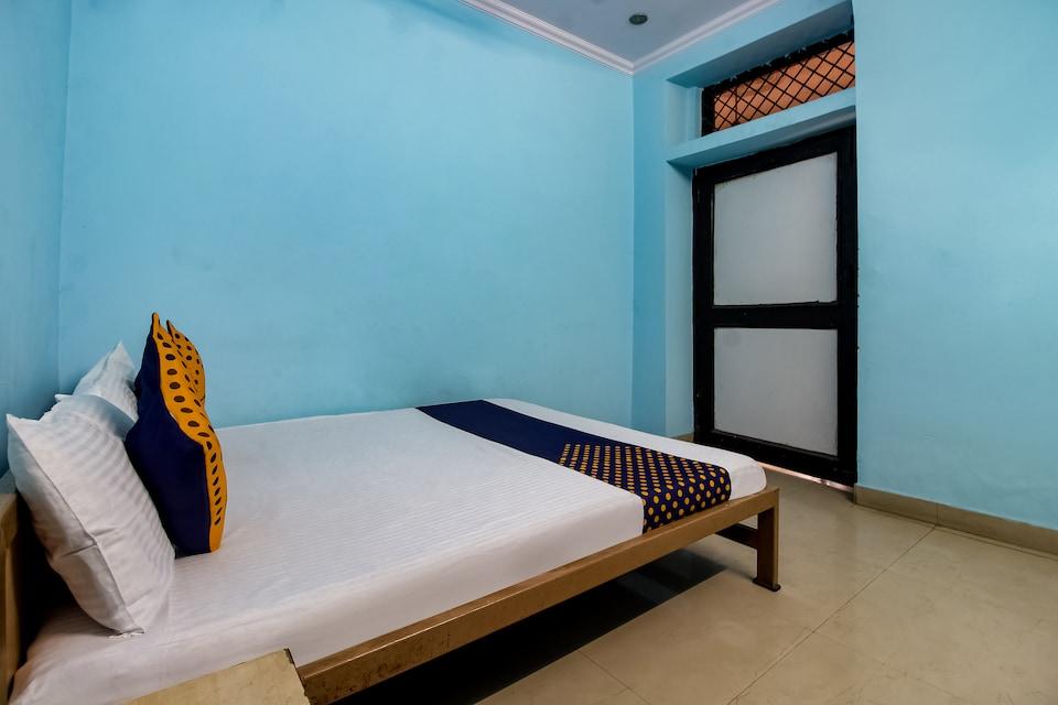 SPOT ON 40972 Hotel Gurubaksh