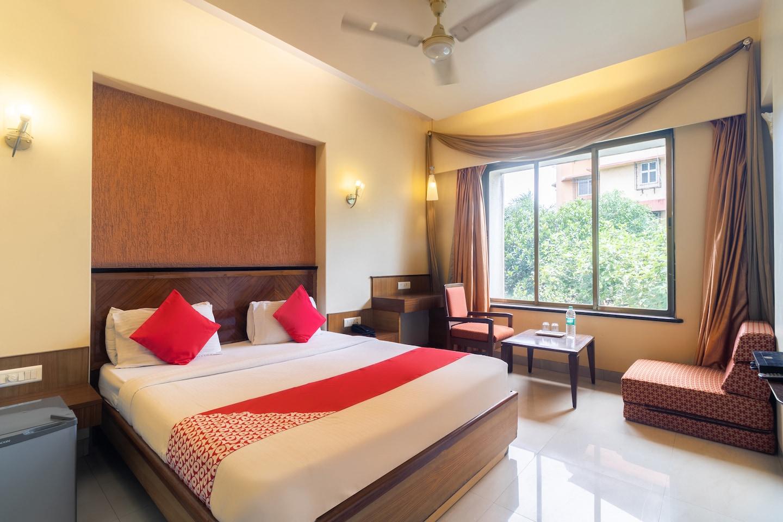 OYO 41076 Hotel Dhiraj Residency -1