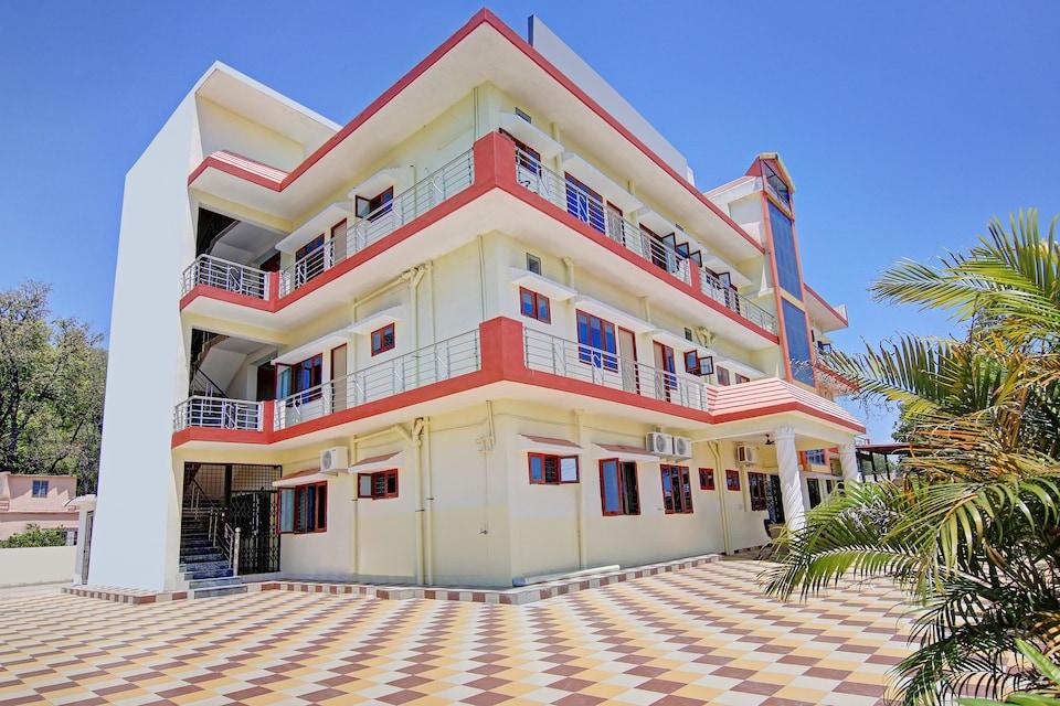 OYO Home 41082 Pleasant Stay Jhajra