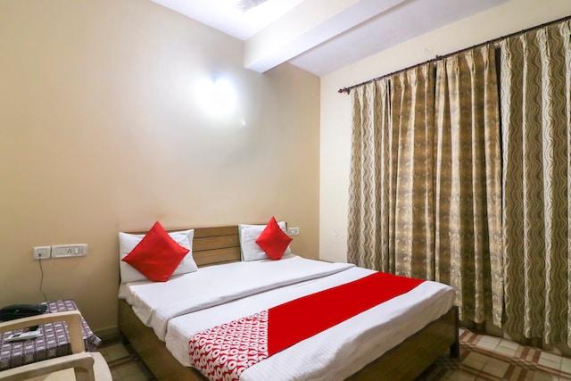 OYO 41083 Hamsafar Guest House