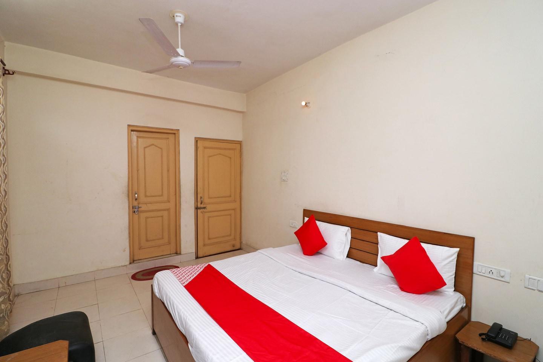 OYO 41083 Hamsafar Guest House -1