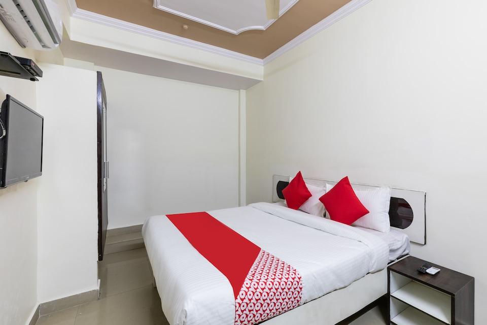 OYO 41086 Hotel Royal Stay
