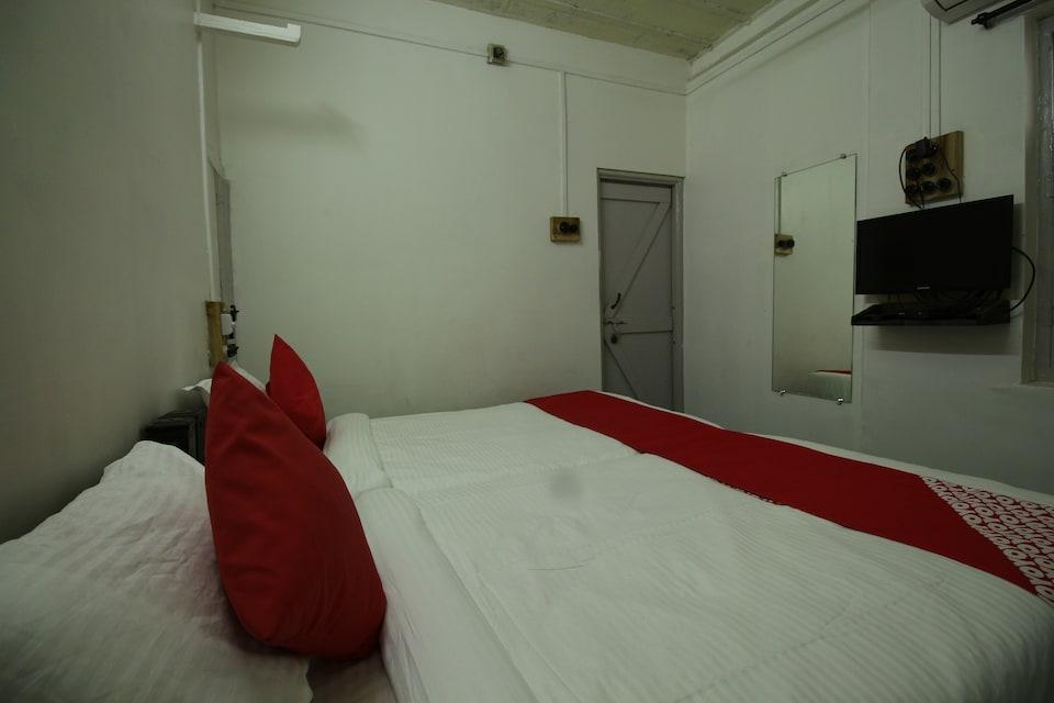OYO 41090 Homi House