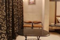 OYO 41104 Hotel Merilin Deluxe