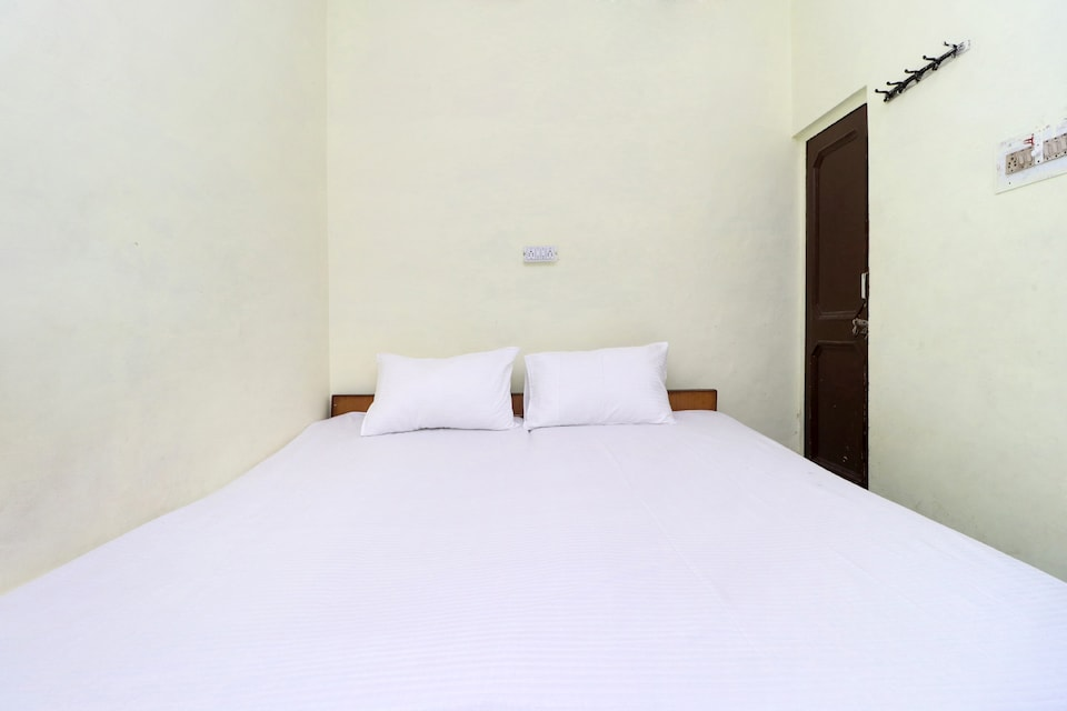 SPOT ON 41126 Shri Krishankripa Guest House