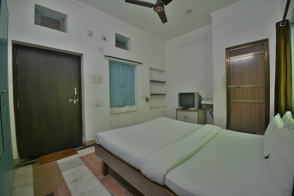 SPOT ON 41137 Hotel Tak Guest House