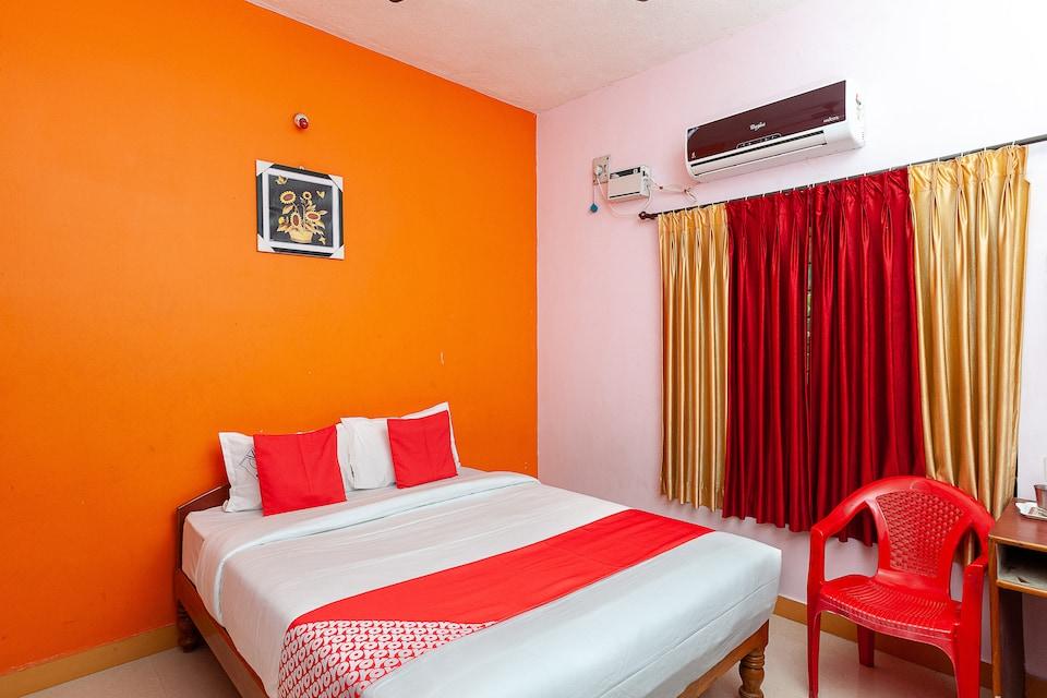 OYO 41193 Sri Vigneshwar Residency